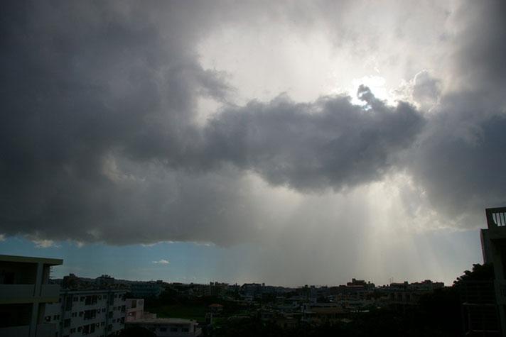 人工的に雨を降らせることは可能? – 不便を愉しむ、さえらるる暮らし