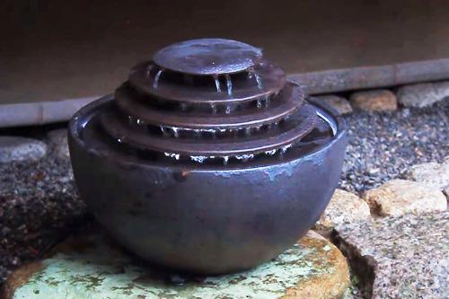 信楽焼屋内設置用水琴窟スリッター琴音ボール 型番221-N(いぶし銀)